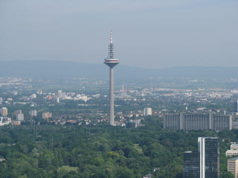 tv tower in frankfurt germany a city landmark. Black Bedroom Furniture Sets. Home Design Ideas